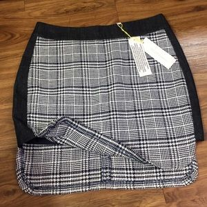 BCBGENERATION mini skirt 💙 NWT